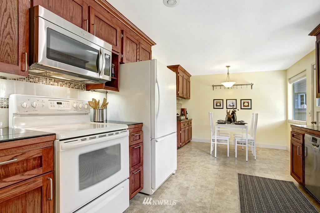 Sold Property   3111 W Barrett Street Seattle, WA 98199 7