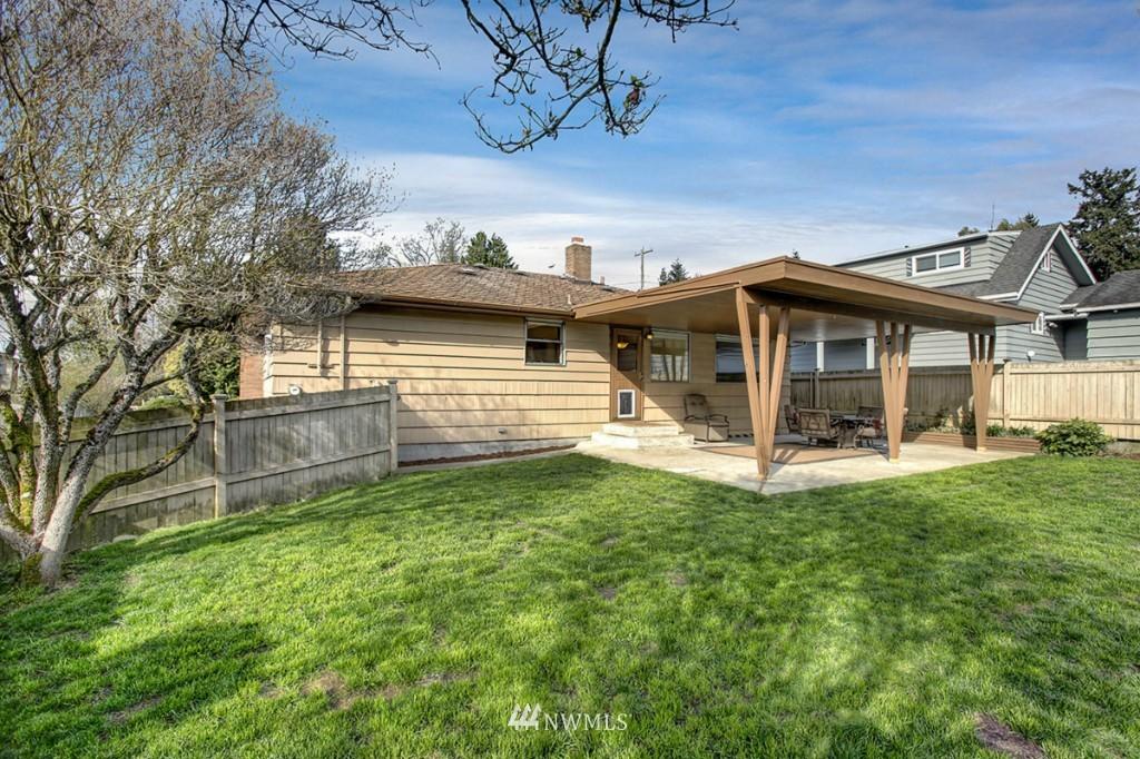 Sold Property   3111 W Barrett Street Seattle, WA 98199 11