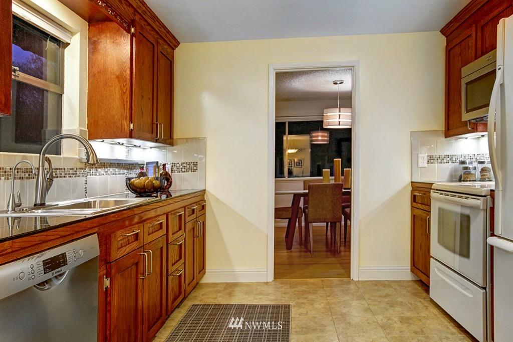Sold Property   3111 W Barrett Street Seattle, WA 98199 8