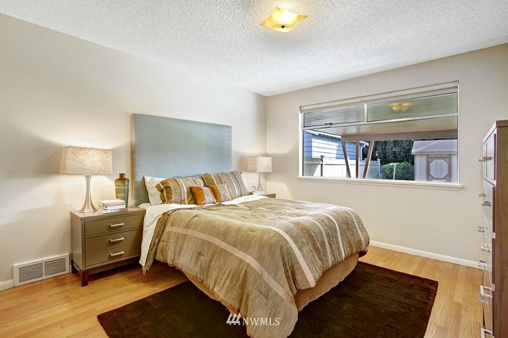 Sold Property   3111 W Barrett Street Seattle, WA 98199 12