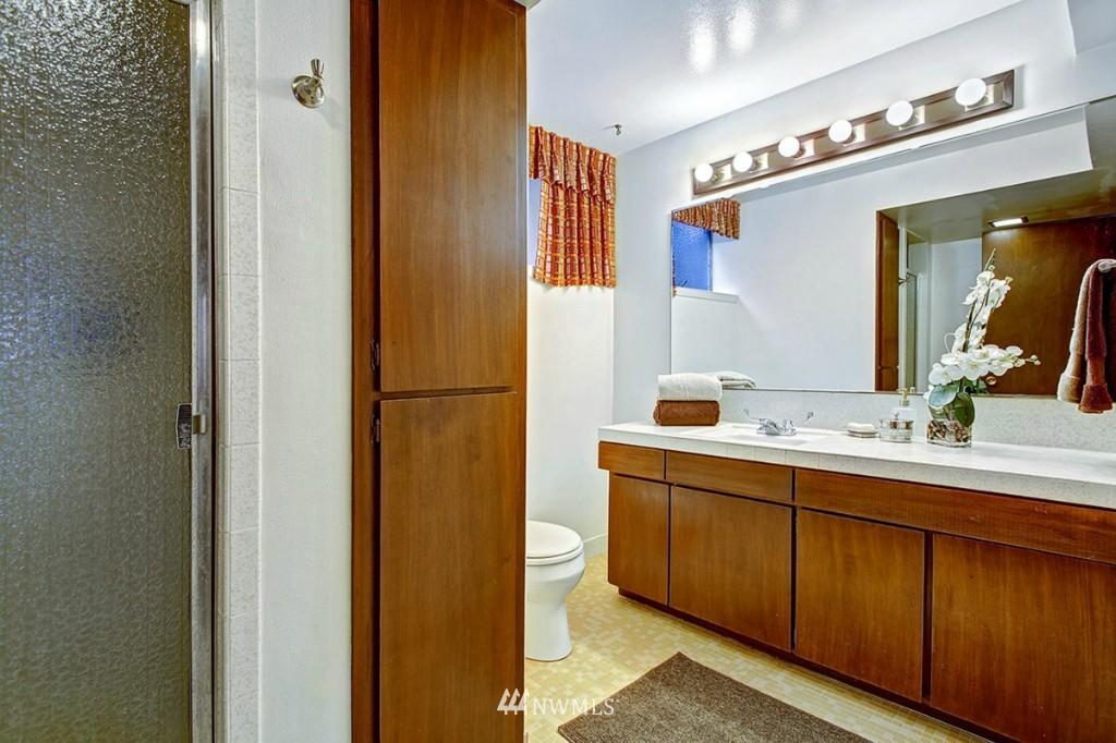 Sold Property   3111 W Barrett Street Seattle, WA 98199 18