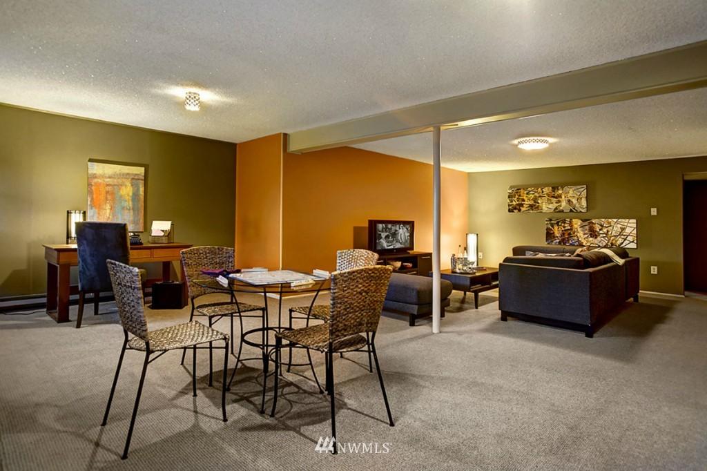 Sold Property   3111 W Barrett Street Seattle, WA 98199 20