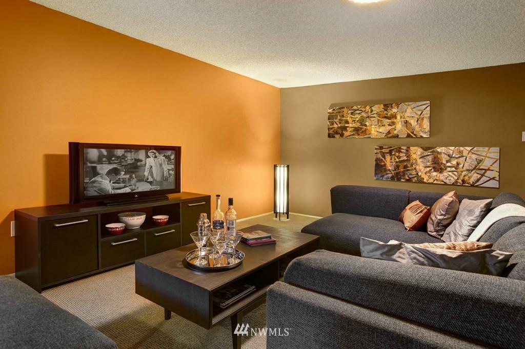 Sold Property   3111 W Barrett Street Seattle, WA 98199 21