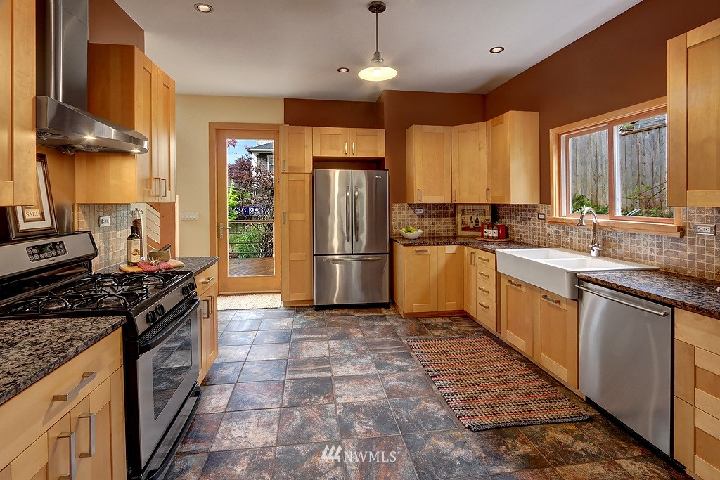 Sold Property | 304 NW 46th Street Seattle, WA 98107 5
