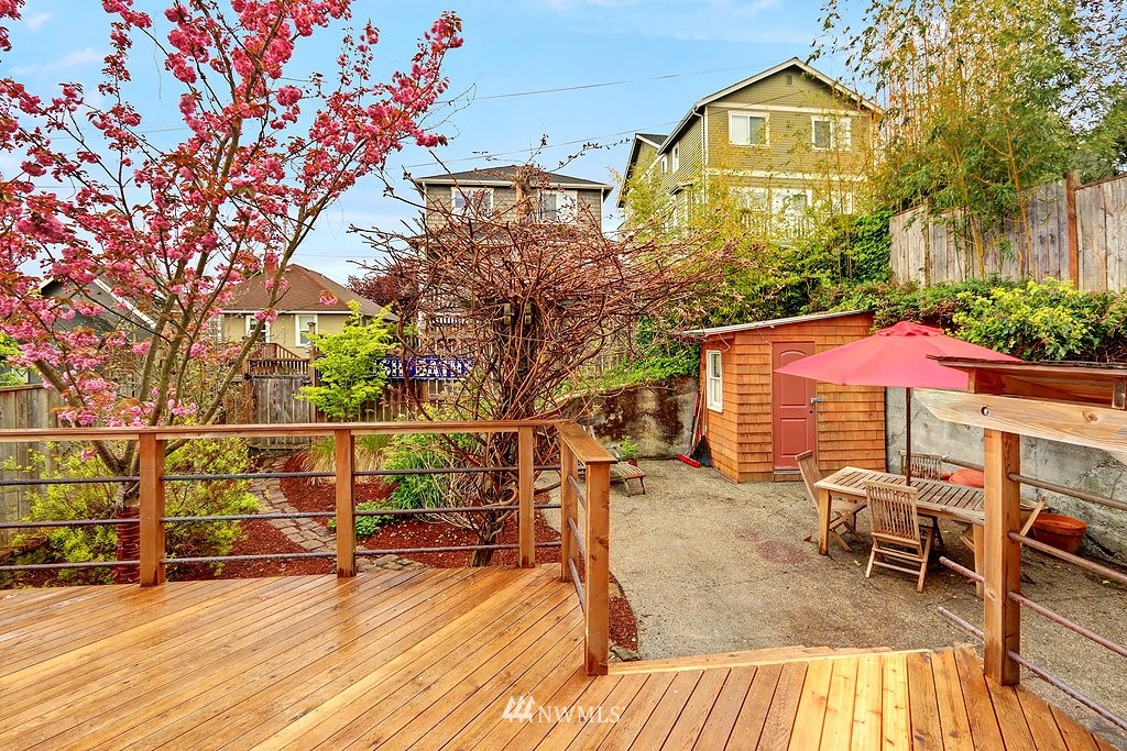 Sold Property | 304 NW 46th Street Seattle, WA 98107 19