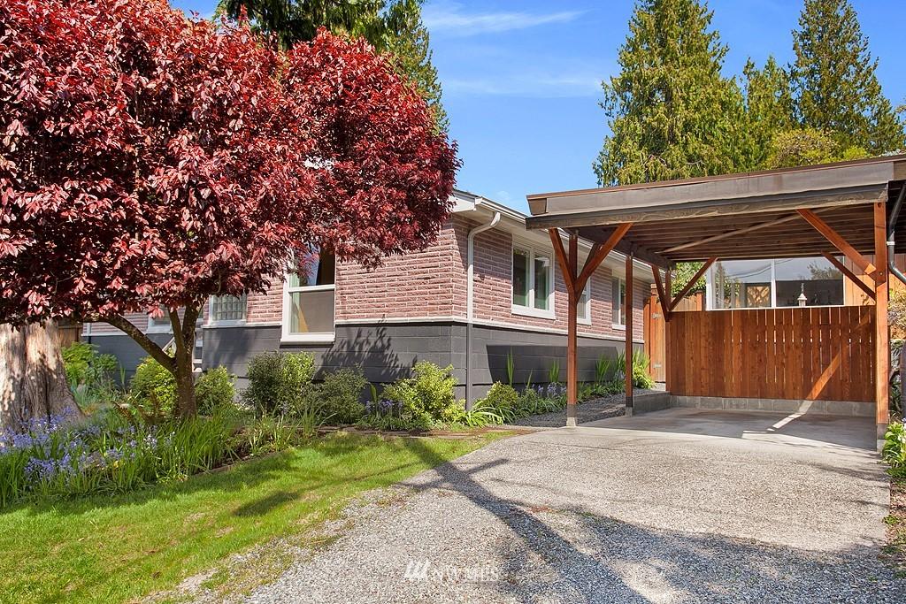Sold Property | 11750 Bartlett Avenue NE Seattle, WA 98125 21