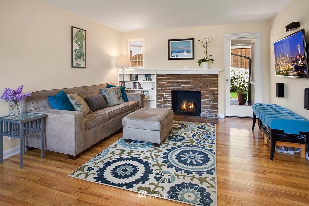 Sold Property | 11750 Bartlett Avenue NE Seattle, WA 98125 2