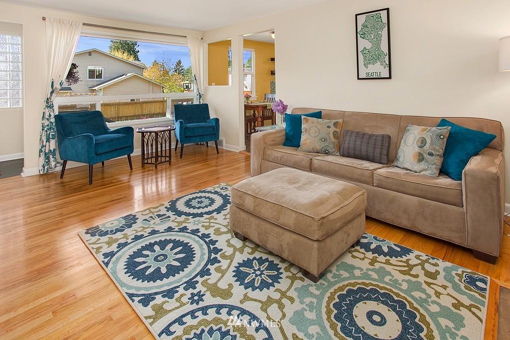 Sold Property | 11750 Bartlett Avenue NE Seattle, WA 98125 4