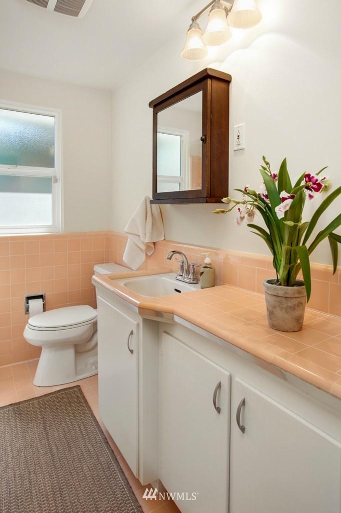 Sold Property | 11750 Bartlett Avenue NE Seattle, WA 98125 11