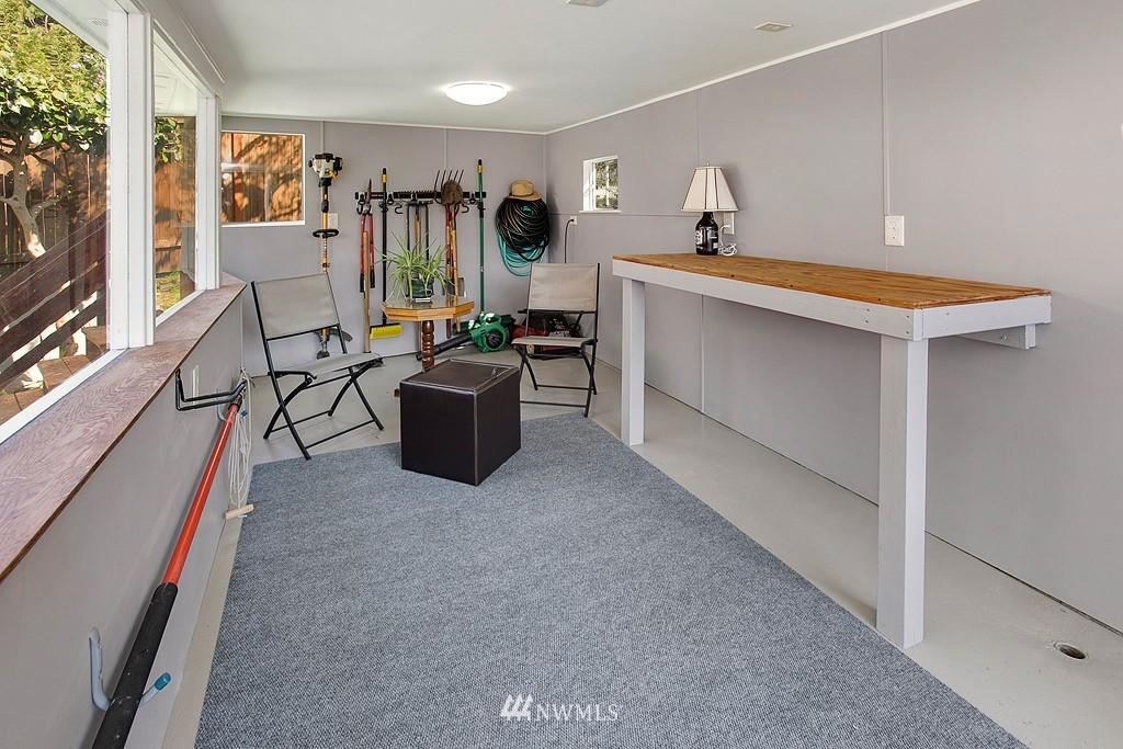 Sold Property | 11750 Bartlett Avenue NE Seattle, WA 98125 14