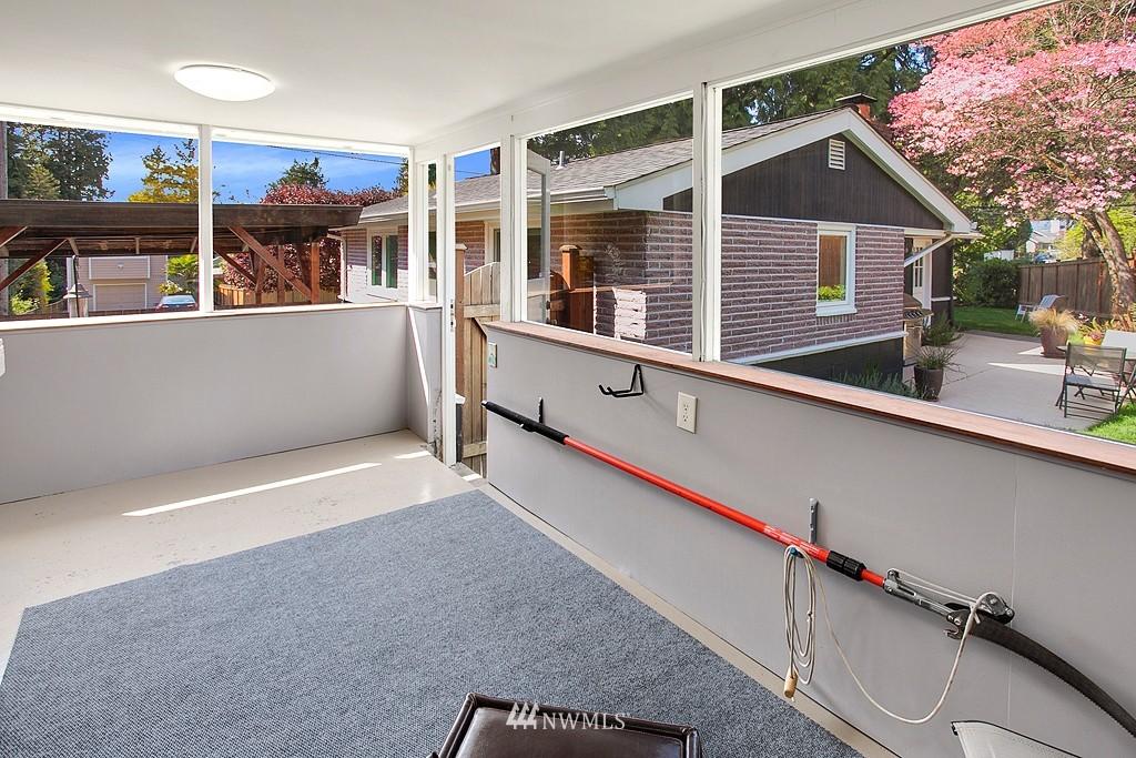 Sold Property | 11750 Bartlett Avenue NE Seattle, WA 98125 15