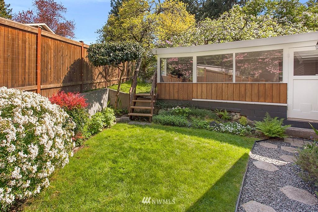 Sold Property | 11750 Bartlett Avenue NE Seattle, WA 98125 13