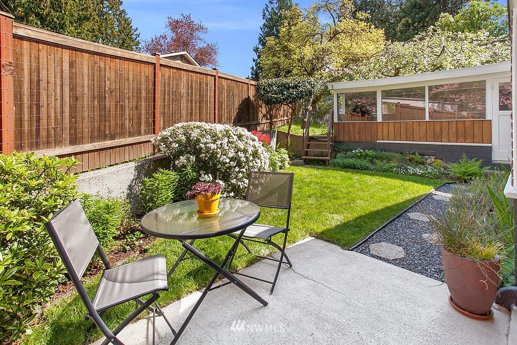 Sold Property | 11750 Bartlett Avenue NE Seattle, WA 98125 12