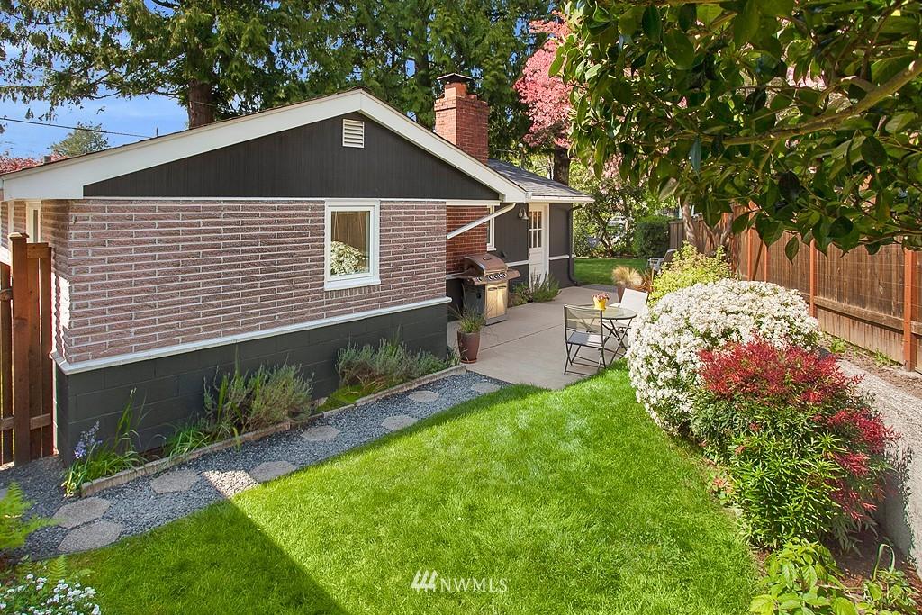 Sold Property | 11750 Bartlett Avenue NE Seattle, WA 98125 17