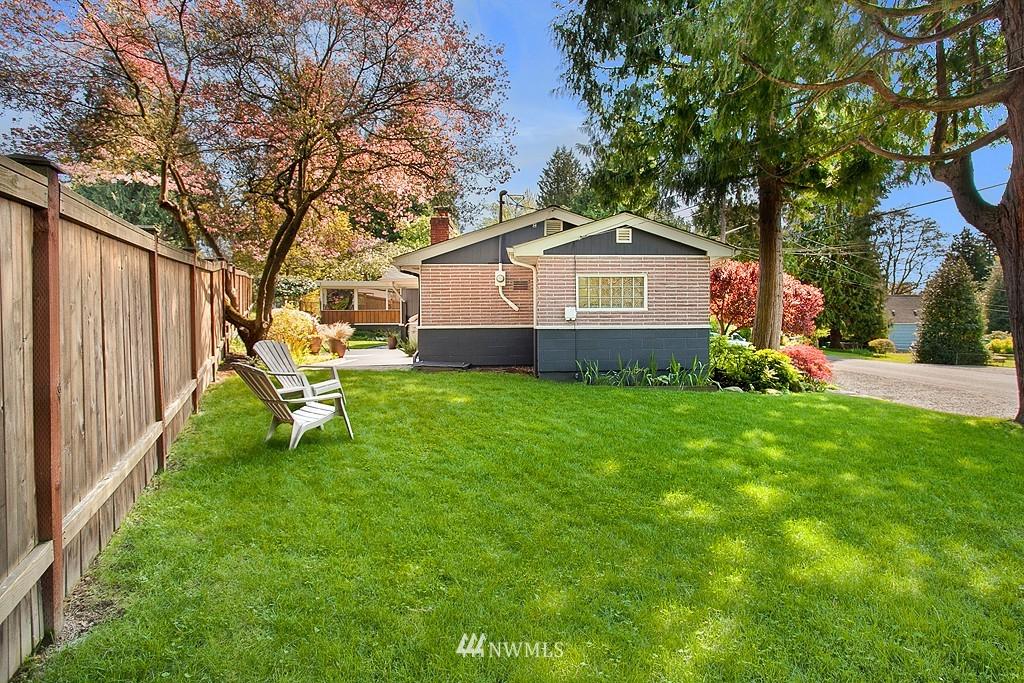 Sold Property | 11750 Bartlett Avenue NE Seattle, WA 98125 19
