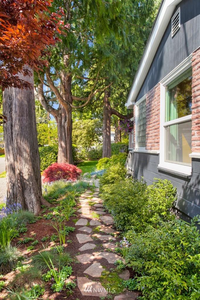 Sold Property | 11750 Bartlett Avenue NE Seattle, WA 98125 20