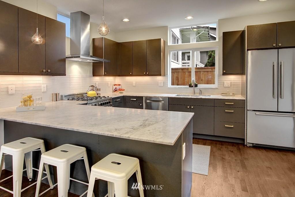 Sold Property | 1914 10th Avenue W Seattle, WA 98119 4