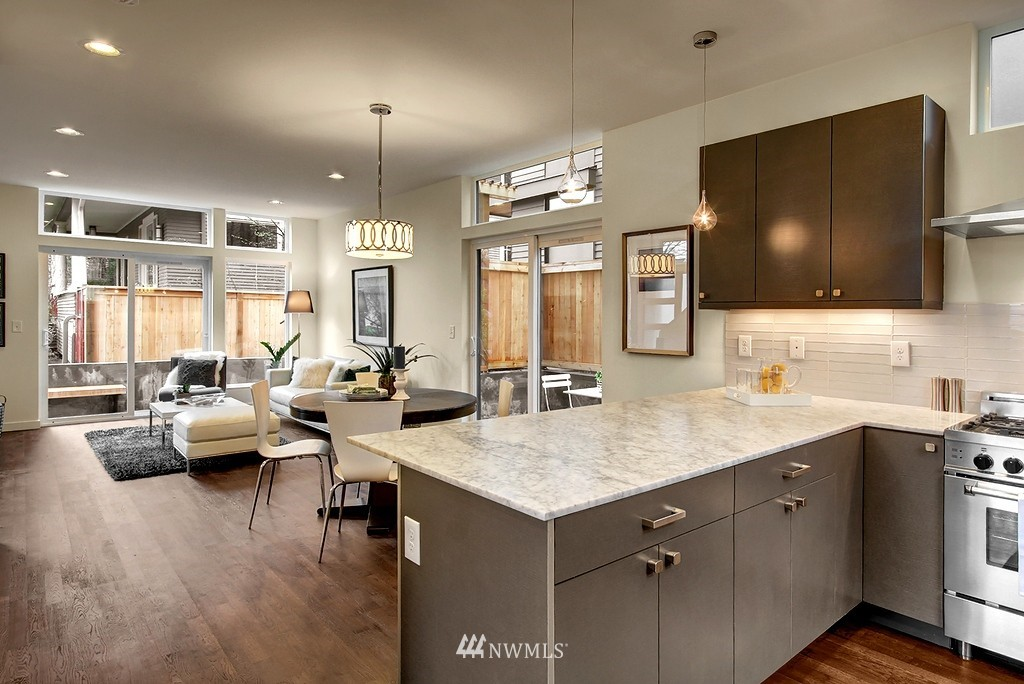 Sold Property | 1914 10th Avenue W Seattle, WA 98119 6