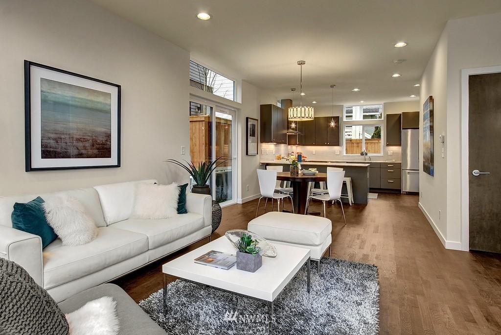 Sold Property | 1914 10th Avenue W Seattle, WA 98119 8