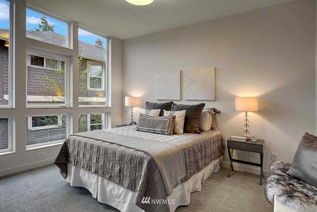 Sold Property | 1914 10th Avenue W Seattle, WA 98119 11