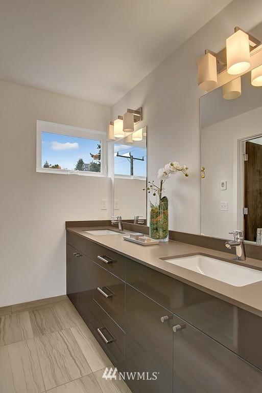 Sold Property | 1914 10th Avenue W Seattle, WA 98119 13