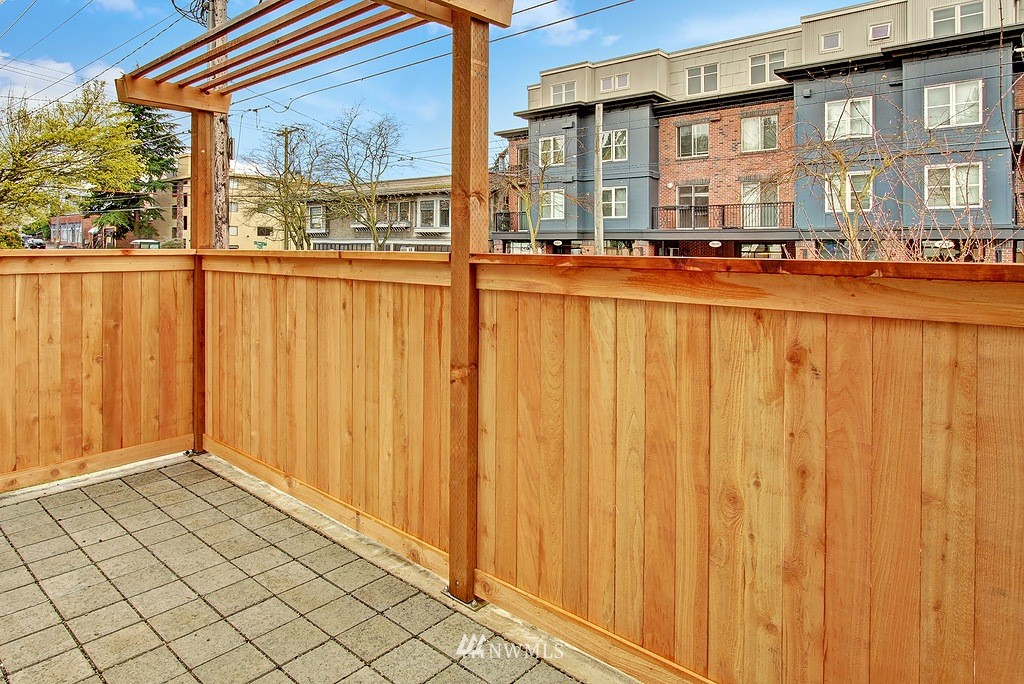 Sold Property | 1914 10th Avenue W Seattle, WA 98119 17