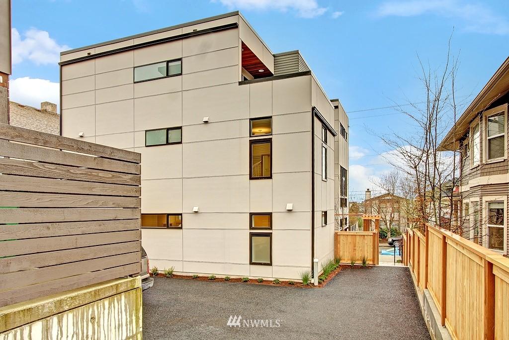 Sold Property | 1914 10th Avenue W Seattle, WA 98119 18