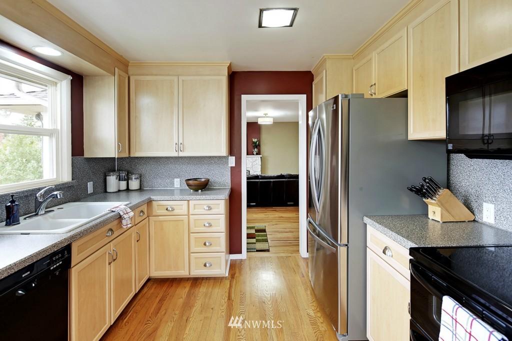 Sold Property   8322 22nd Avenue NW Seattle, WA 98117 4