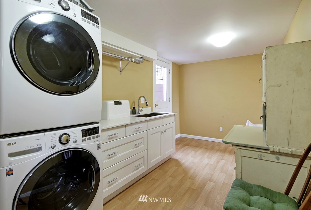 Sold Property   8322 22nd Avenue NW Seattle, WA 98117 14