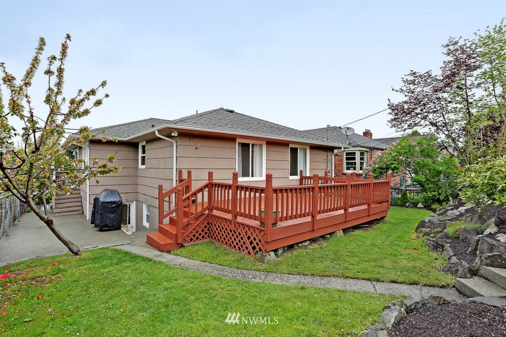 Sold Property   8322 22nd Avenue NW Seattle, WA 98117 16