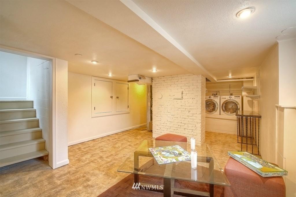 Sold Property | 12026 Dayton Avenue N Seattle, WA 98133 15