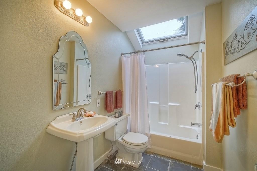 Sold Property | 12026 Dayton Avenue N Seattle, WA 98133 10