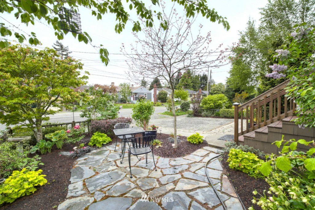 Sold Property | 12026 Dayton Avenue N Seattle, WA 98133 1