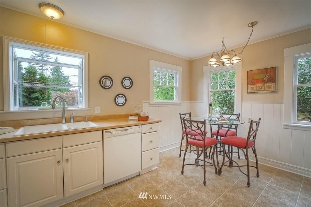 Sold Property | 12026 Dayton Avenue N Seattle, WA 98133 5