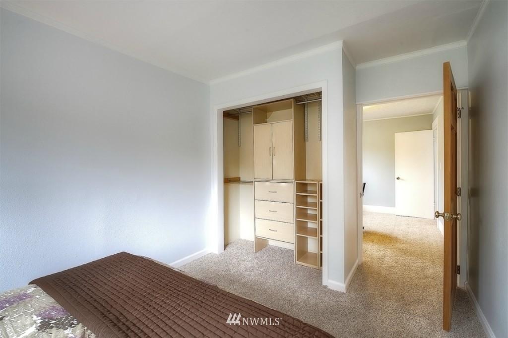 Sold Property | 12026 Dayton Avenue N Seattle, WA 98133 9