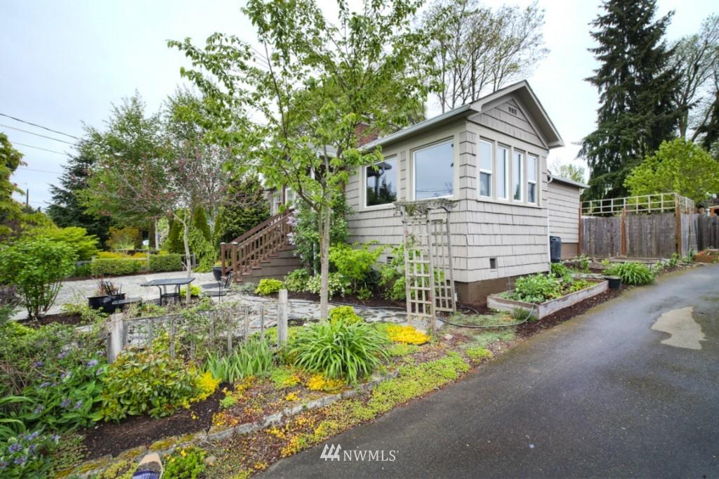 Sold Property | 12026 Dayton Avenue N Seattle, WA 98133 18