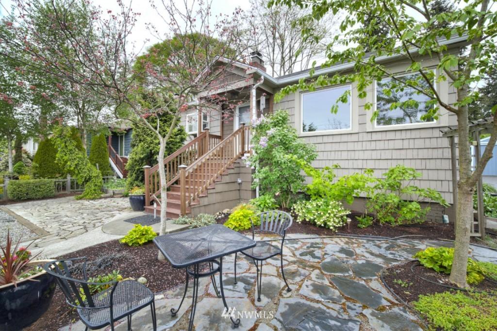 Sold Property | 12026 Dayton Avenue N Seattle, WA 98133 0