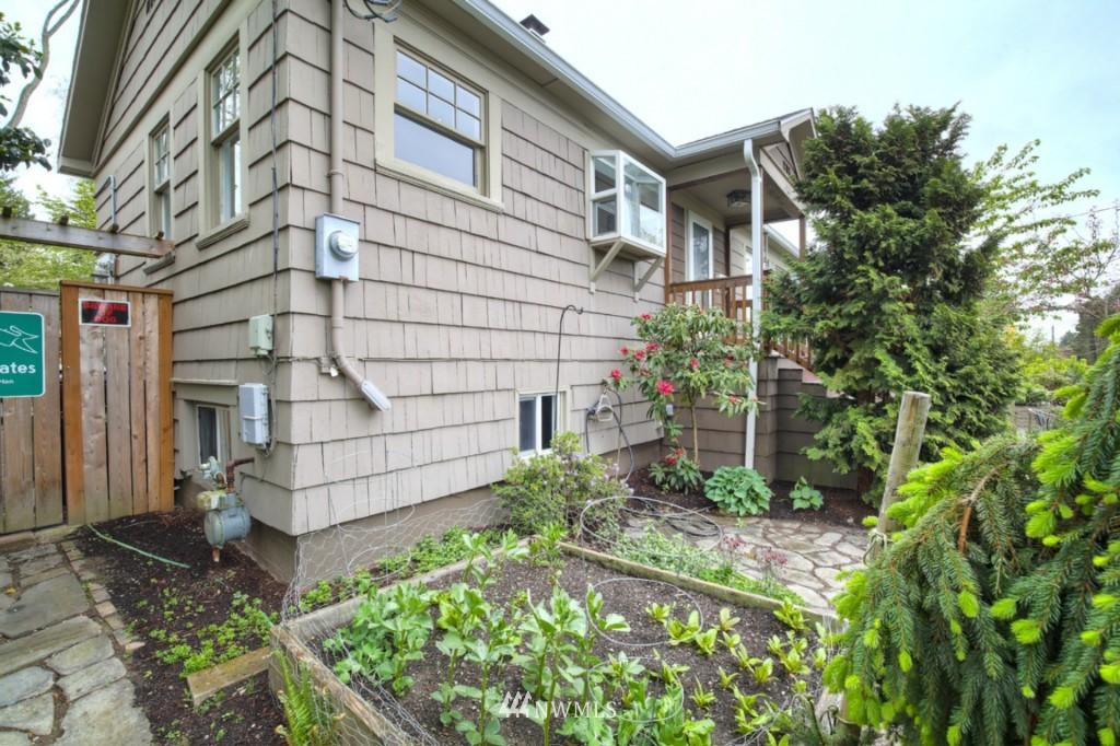 Sold Property | 12026 Dayton Avenue N Seattle, WA 98133 19