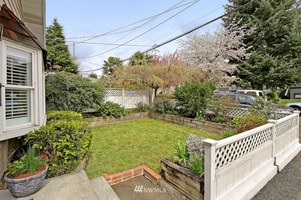 Sold Property   6747 11th Avenue NW Seattle, WA 98117 12