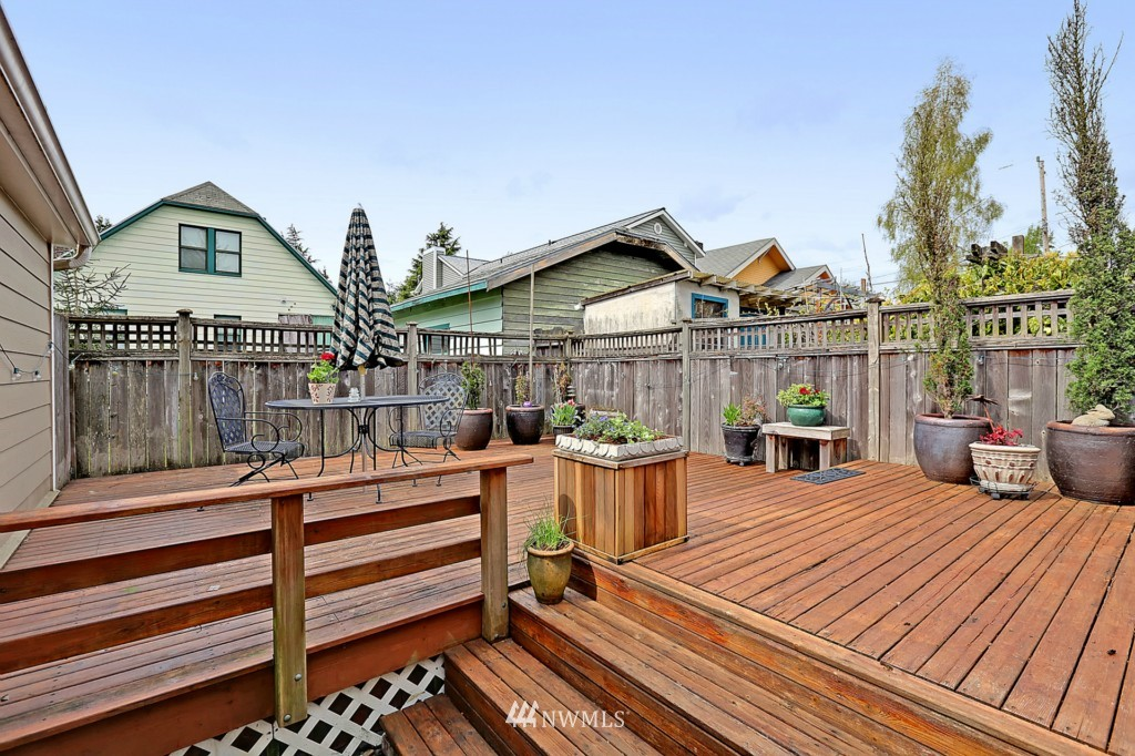 Sold Property   6747 11th Avenue NW Seattle, WA 98117 13