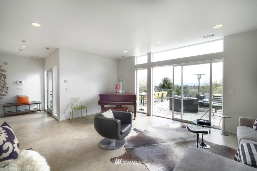 Sold Property | 2414 E Helen Street Seattle, WA 98112 3
