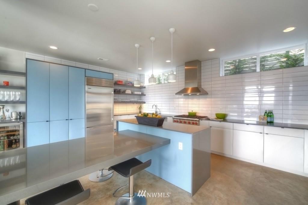 Sold Property | 2414 E Helen Street Seattle, WA 98112 5