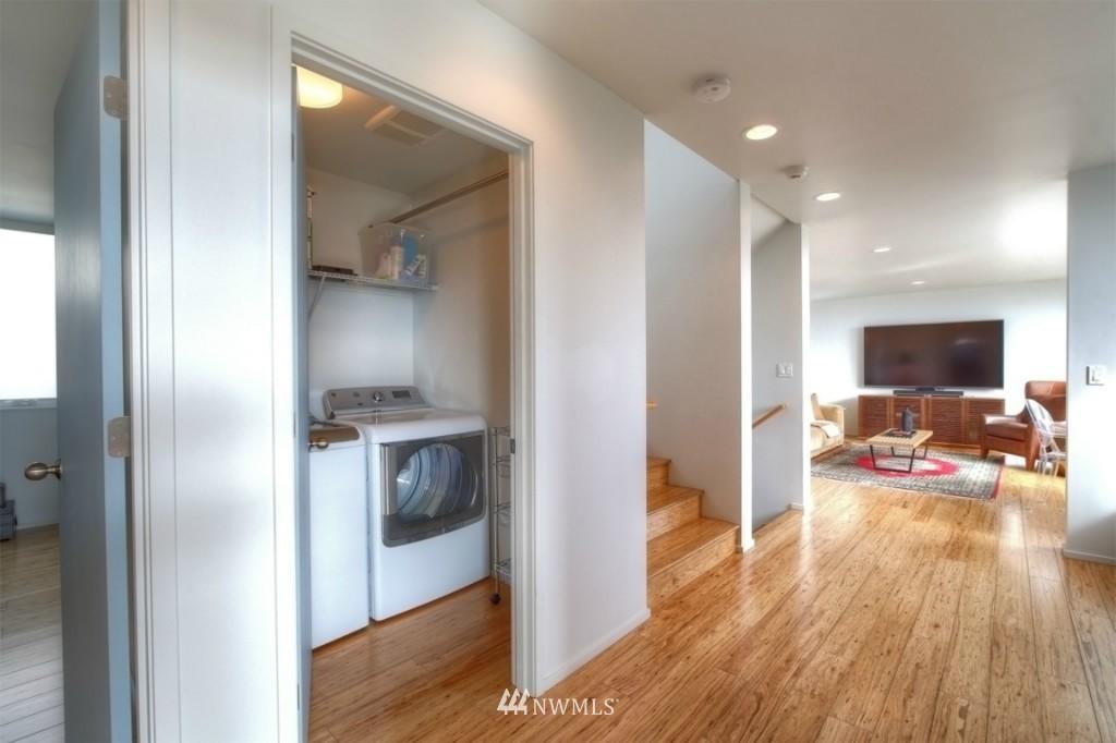 Sold Property | 2414 E Helen Street Seattle, WA 98112 8
