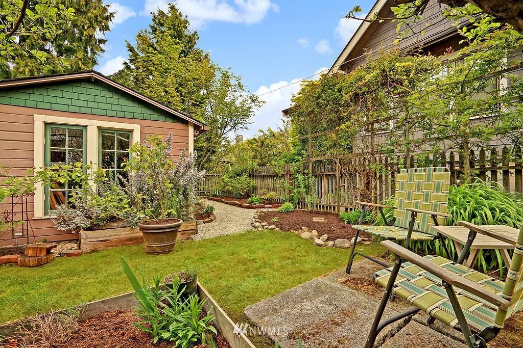 Sold Property | 101 NE 57th Street Seattle, WA 98105 2