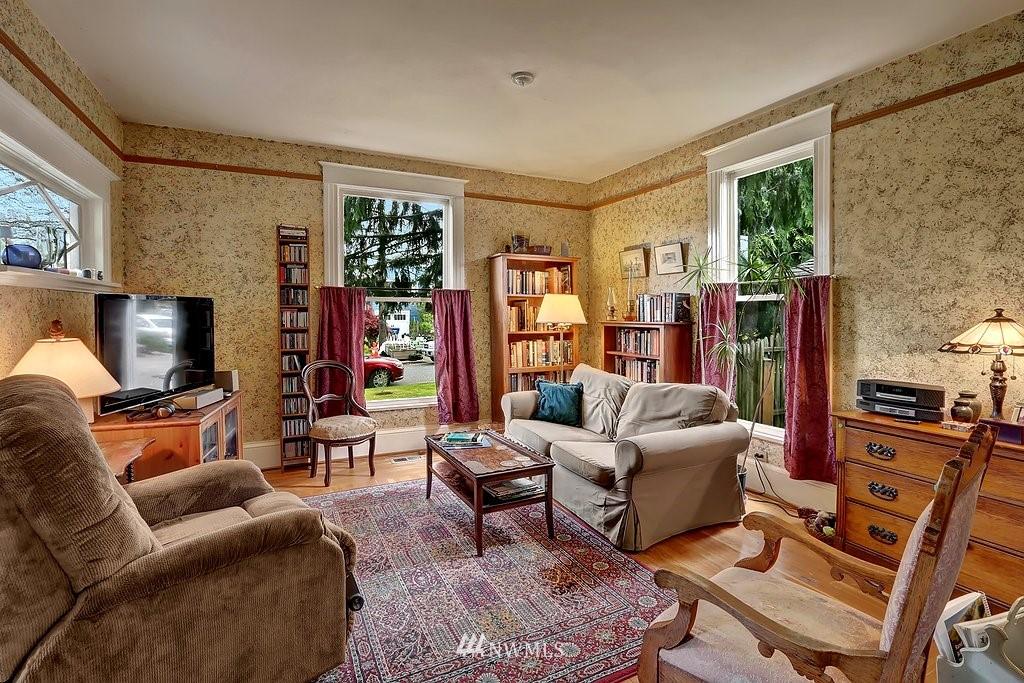 Sold Property | 101 NE 57th Street Seattle, WA 98105 3