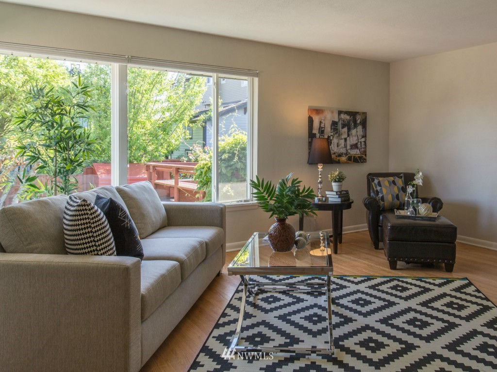Sold Property | 2615 W Crockett Street Seattle, WA 98199 3