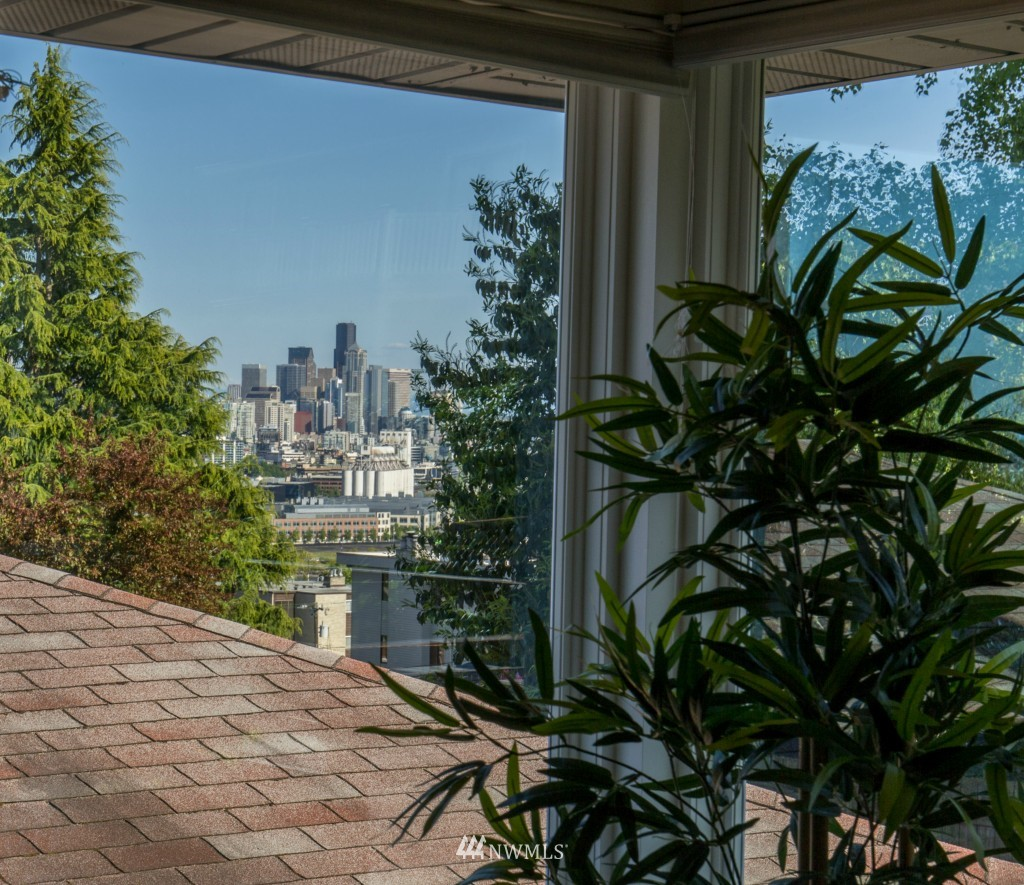 Sold Property | 2615 W Crockett Street Seattle, WA 98199 6