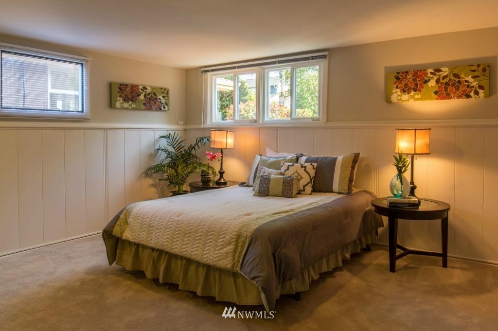 Sold Property | 2615 W Crockett Street Seattle, WA 98199 13