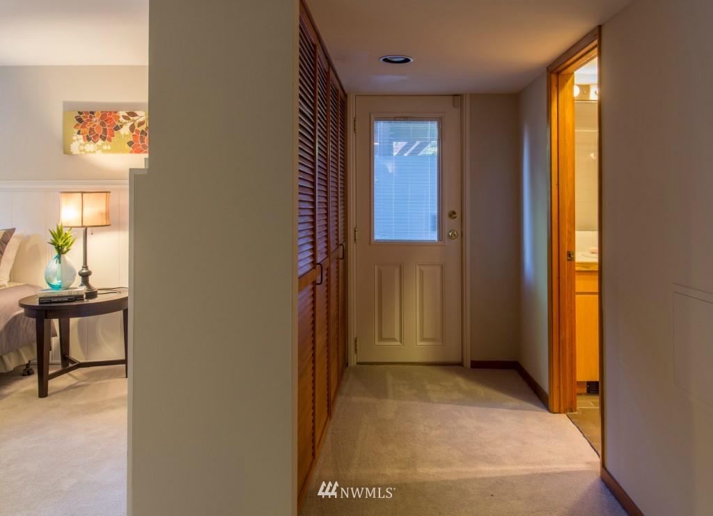 Sold Property | 2615 W Crockett Street Seattle, WA 98199 17