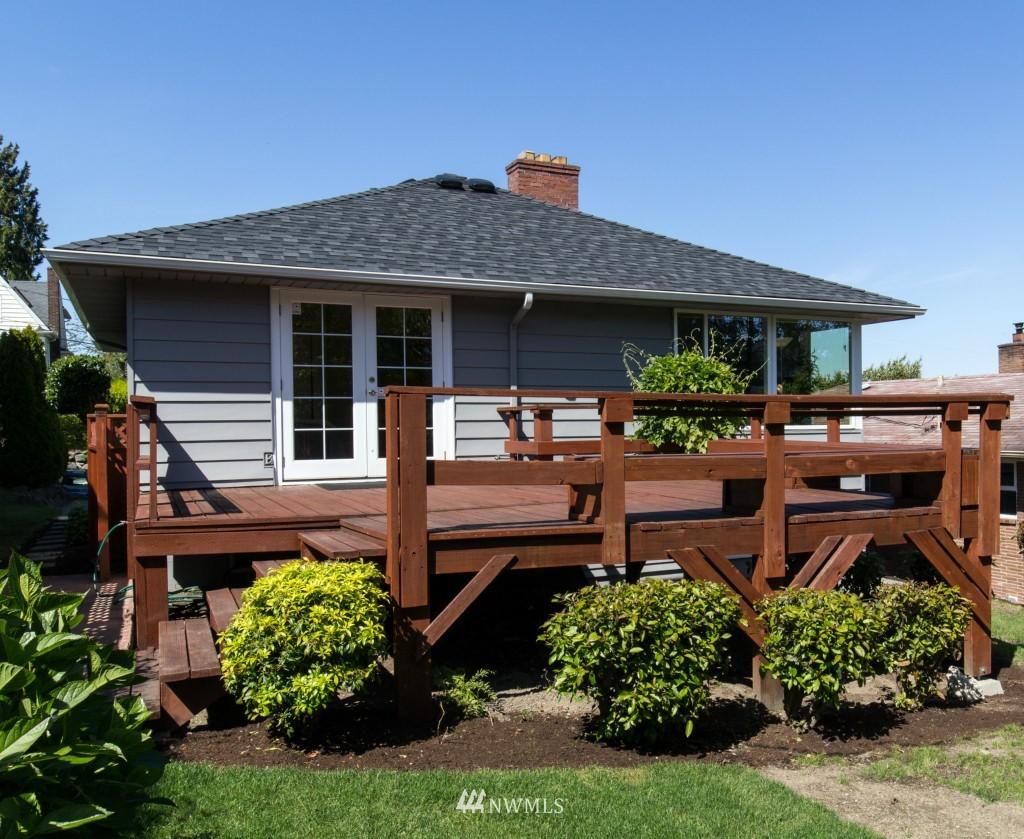 Sold Property | 2615 W Crockett Street Seattle, WA 98199 18